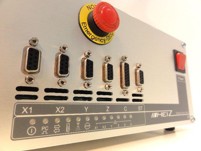 Commande CNC Zero 3 avec panneau avant auto-fraisé