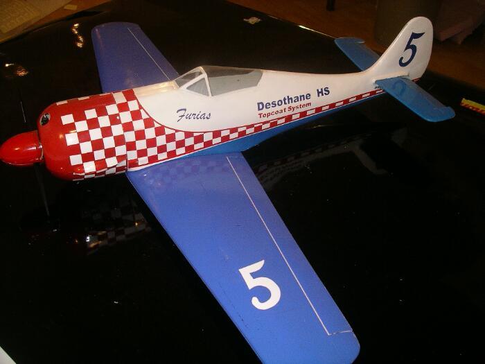 Décalques en modèle d'avion