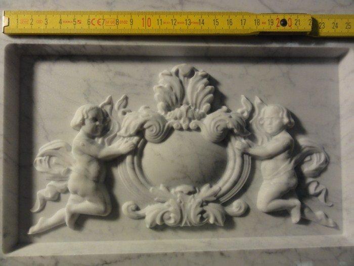 Gravure sur pierre du sculpteur