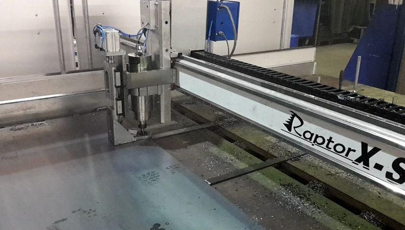 Perceuse à tôle sur machine CNC