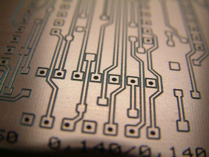 Production de circuit imprimés par fraiseuse cnc