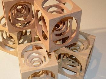 Fraisage cubes en bois