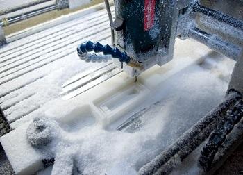 Moulin en plexiglas avec refroidissement par pulvérisation